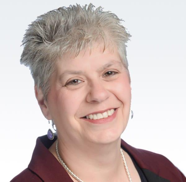 Tracey Baum headshot